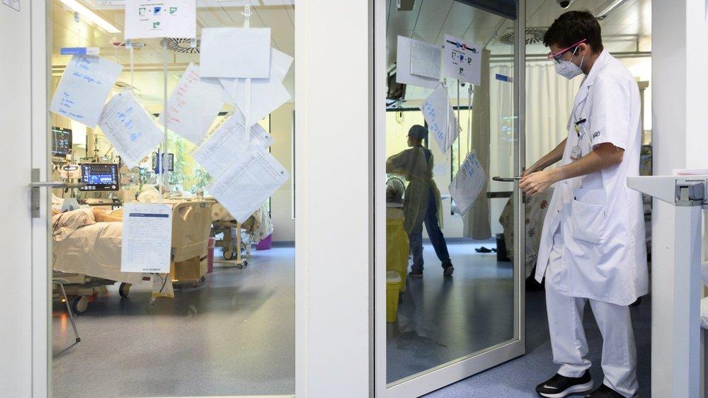 Les hospitalisations de patients atteints du Covid-19 augmentent régulièrement depuis la fin du mois de janvier dans le canton de Neuchâtel. Ici, l'unité de soins intensifs de l'hôpital Pourtalès.