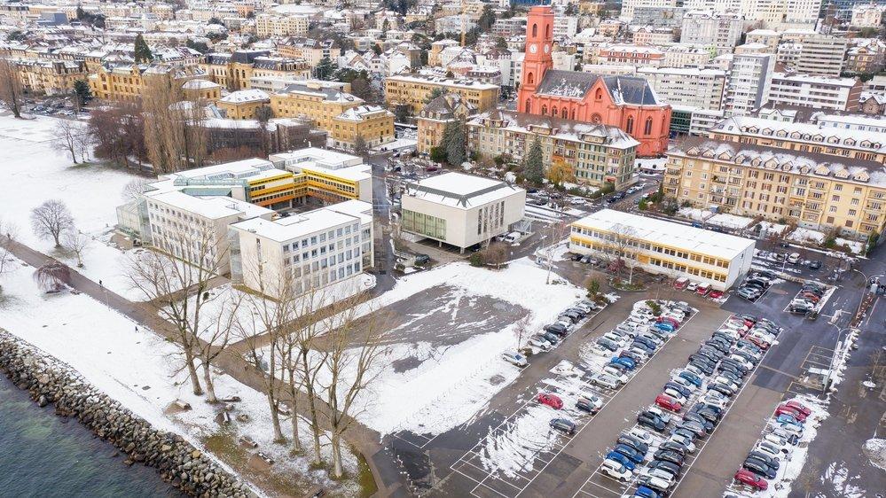 La suppression du parking de Panespo pour agrandir l'Université à Neuchâtel déplaît à la droite.