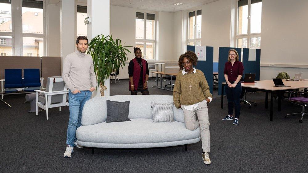 L'équipe qui accueillera les coworkers à La Chaux-de-Fonds (de g. à d.): Sedat Adiyaman, fondateur de Coworking Neuchâtel, Mélanie Mutombo, Ornella Alomba et Mathilde Gigonzac.