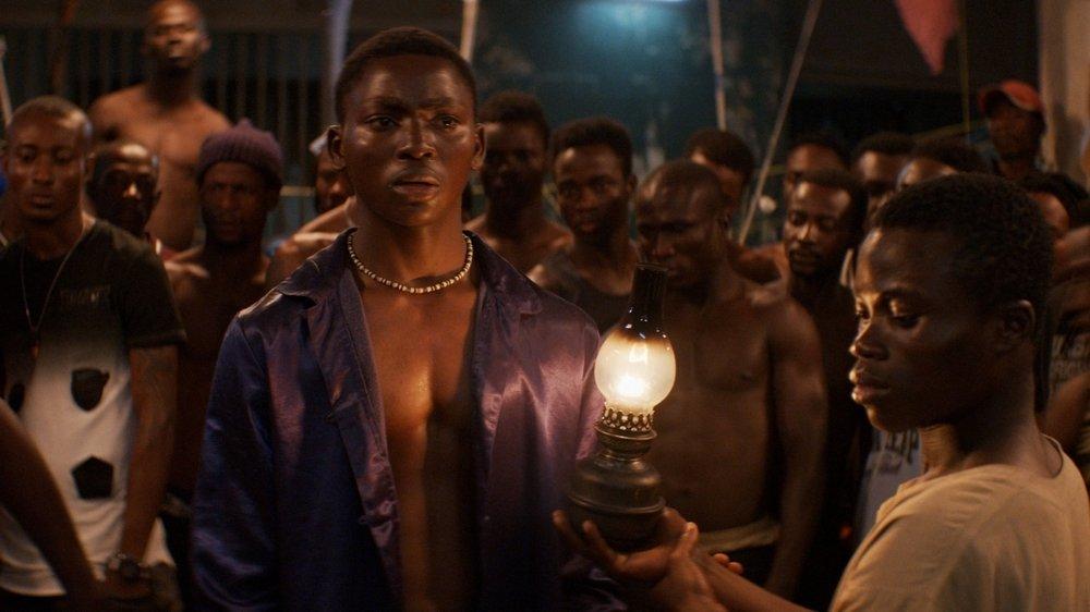 Koné Bakary (à gauche) porte le film d'un bout à l'autre.