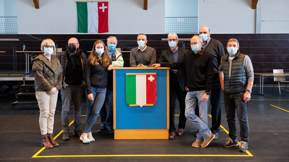 Les participants et participantes à la conférence de presse ce mercredi après-midi au Pavillon des sports de La Chaux-de-Fonds.