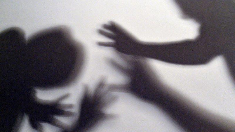 Criminalité: moins de cambriolages, mais plus de violences domestiques en Suisse en 2020