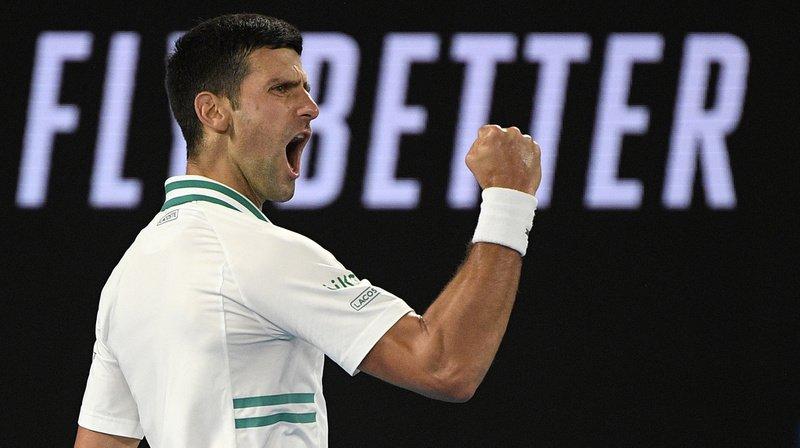 Novak Djokovic a dominé un décevant Daniil Medvedev dimanche.