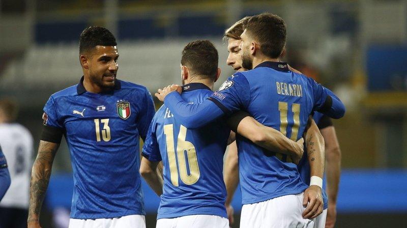 Les Italiens célèbrent le but de Domenico Berardi.