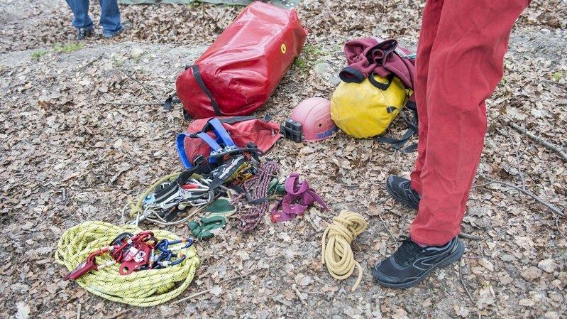 Saint-Sulpice: un spéléologue fait une chute de 17 mètres et perd la vie