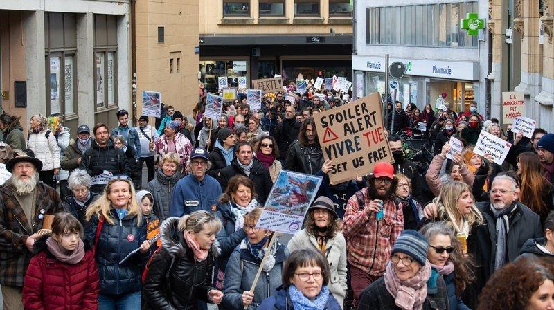 Neuchâtel: à la «Manifête», ils ont dit leur ras-le-bol des restrictions liées au Covid-19