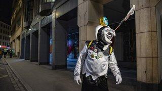 Carnaval de Bâle, inondations en Indonésie, marée noire en Israël... la galerie photos du 22 février 2021