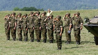 Le Neuchâtelois Baptiste Hurni gagne son combat pour un accès plus égalitaire au service militaire
