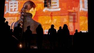 Le chassé-croisé de femmes chinoises sur les murs de Neuchâtel est lancé