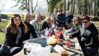 Quinze personnes à l'extérieur: «Cela fait du bien de retrouver une vie sociale»