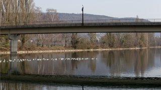 Un pont sur la Thielle sera rénové et plus accueillant pour les cyclistes neuchâtelois