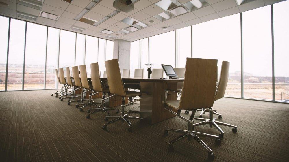Des agences se sont spécialisées dans le recrutement d'administrateurs.
