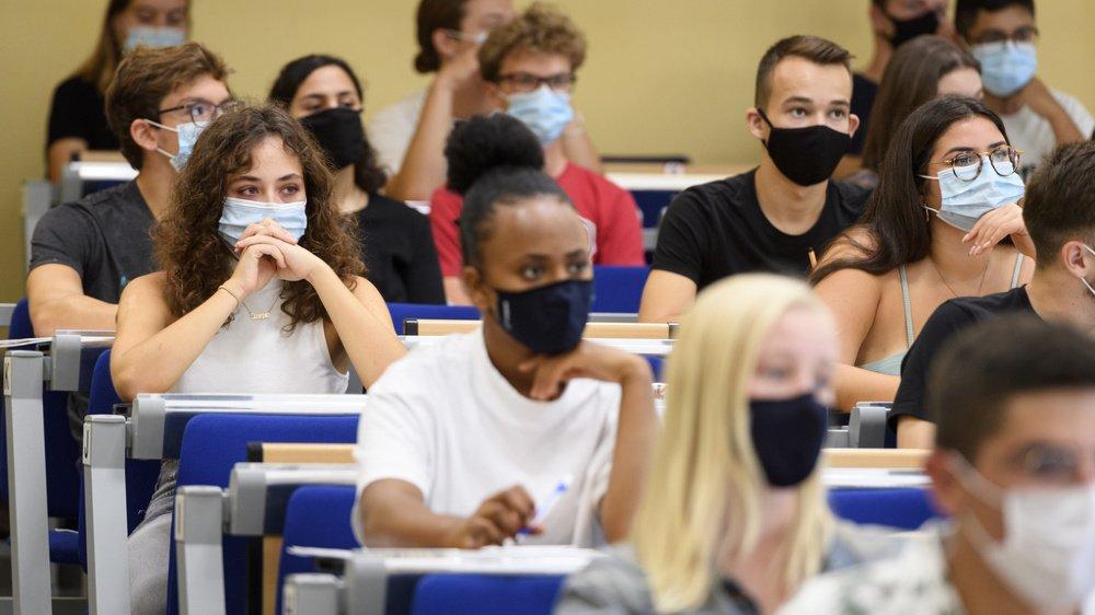 Les premiers étudiants de l'Université de Neuchâtel pourront retourner en cours dès lundi.