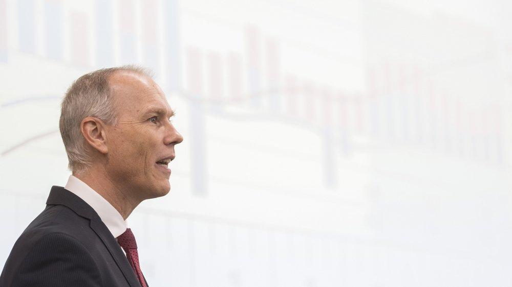 Jan Egbert Sturm, directeur de l'institut de recherches conjoncturelles KOF de l'EPFZ explique qu'«une réduction de la dette devrait se faire  via une augmentation des recettes plutôt qu'une réduction des dépenses.