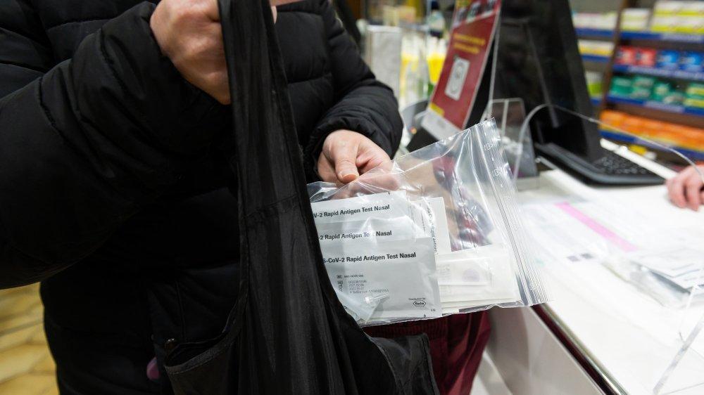 Les Neuchâteloises et les Neuchâtelois ne se sont pas précipités sur les autotests délivrés depuis ce mercredi dans les pharmacies de tout le pays.