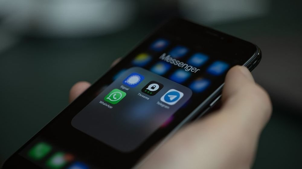 Comme WhatsApp, Threema chiffre toutes les communications de bout en bout.