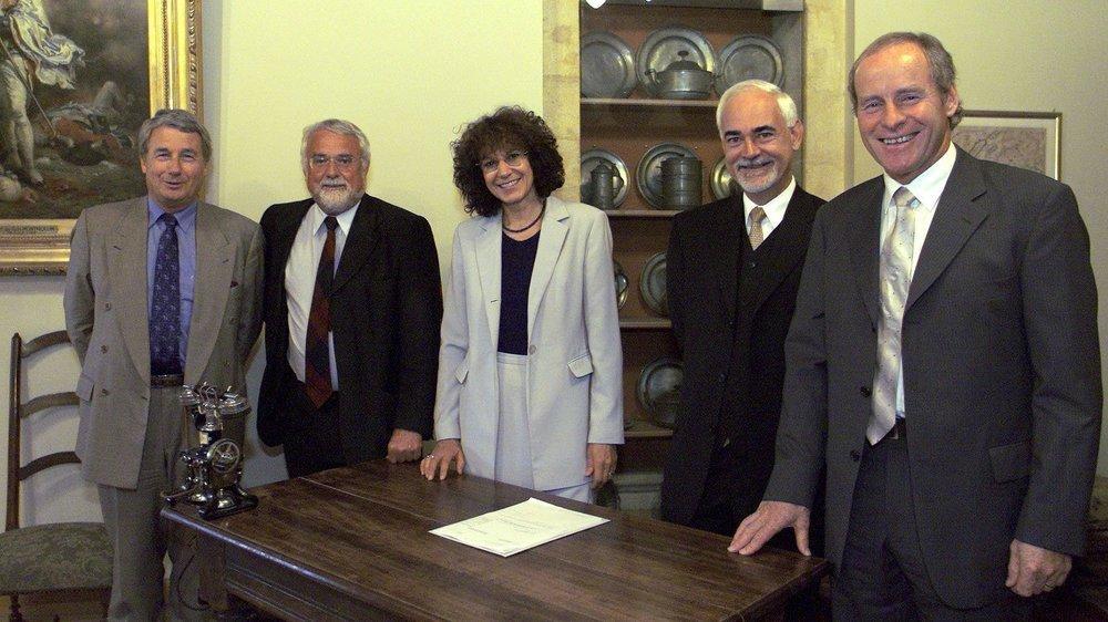Le Conseil d'Etat neuchâtelois en mai 1997 (de g. à d.): Jean-Guinand (libéral-PPN), Francis Matthey (PS), Monika Dusong (PS), Thierry Béguin (radical) et Pierre Hirschy (libéral-PPN).