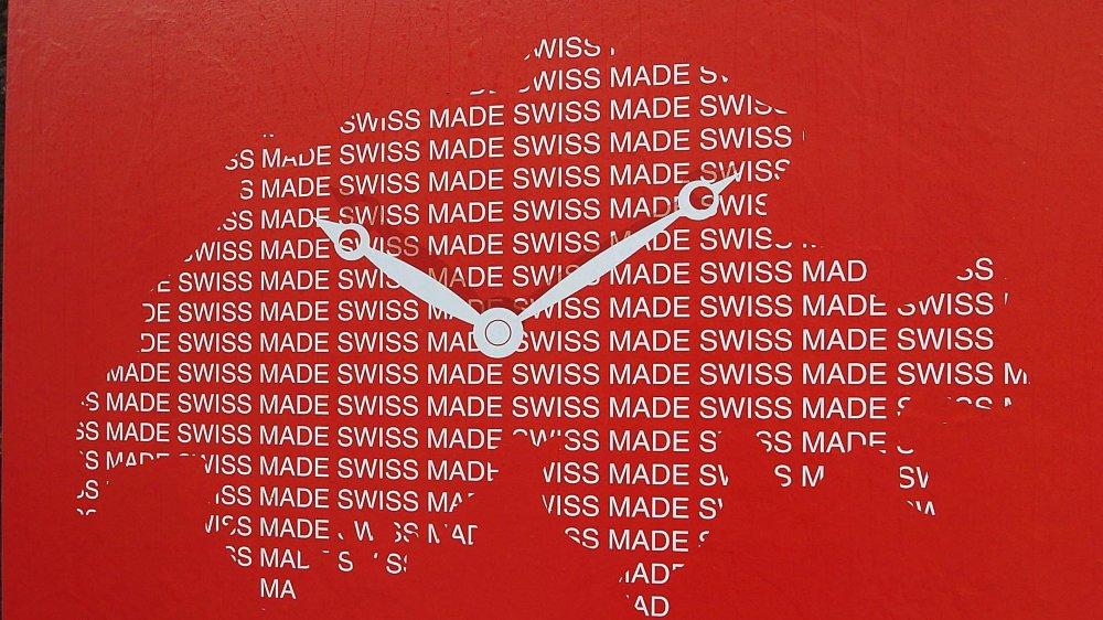 La nouvelle législation Swiss made, votée en 2013 par le Parlement, est entrée en vigueur en 2007. L'industrie est partagée au sujet de son efficacité.