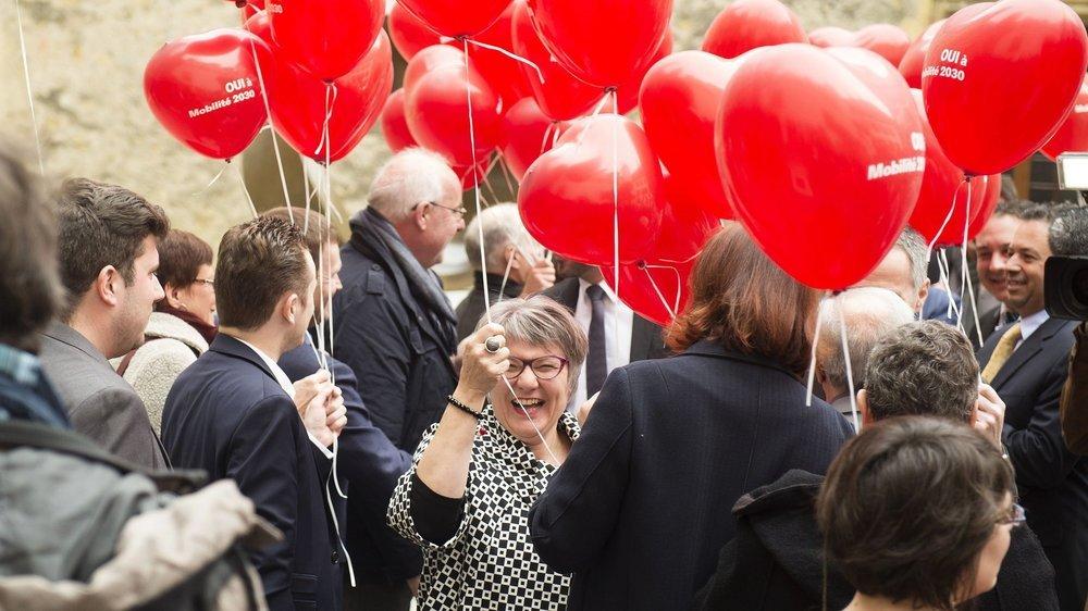Monika Maire-Hefti tout sourire, en 2016, après le résultat de la votation sur le projet Mobilité 2030.