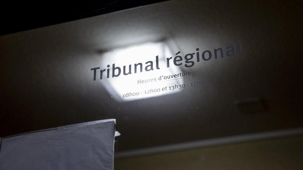Le prévenu a été jugé au Tribunal régional du Littoral et du Val-de-Travers, à Boudry.