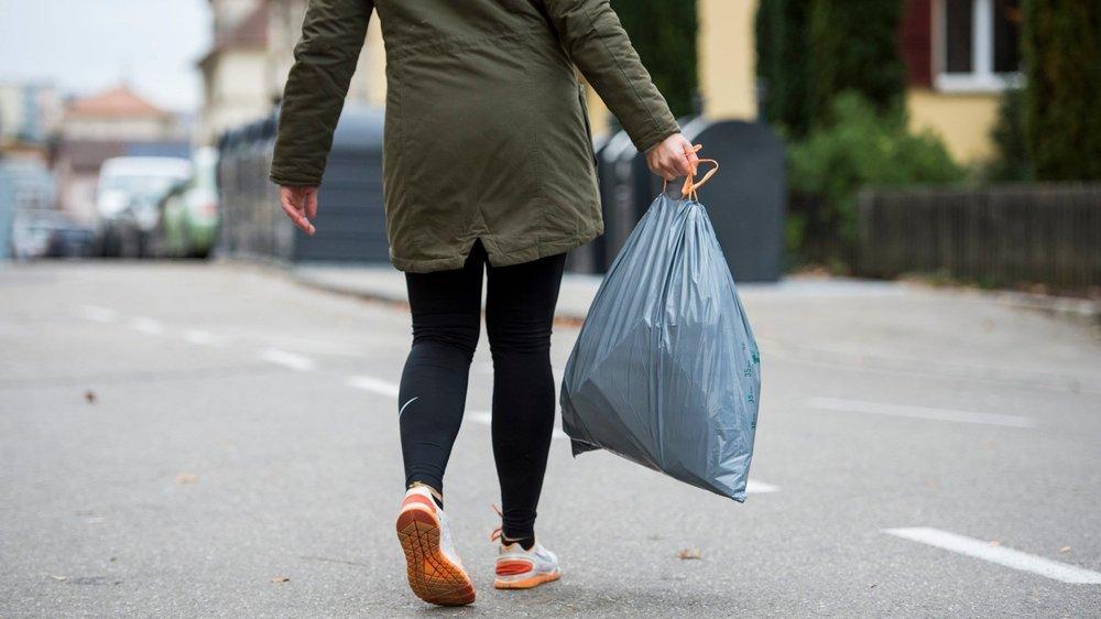La nourriture consommable qui est jetée aux ordures représente 8% environ de la production mondiale des gaz à effet de serre.