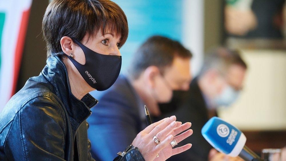 Valérie Gianoli, cheffe du Service neuchâtelois de l'emploi, lors de la conférence de presse ce jeudi.