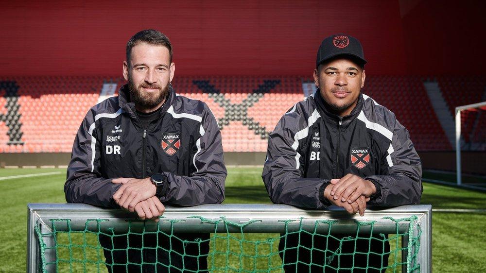 L'entraîneur adjoint Alexandre Badibanga (à droite) et le préparateur physique David Reymond.