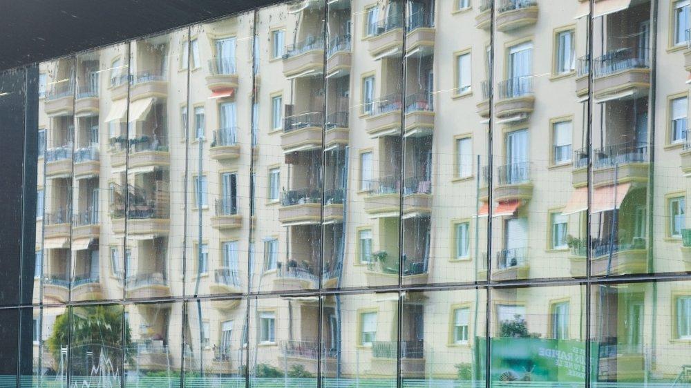 Les nouveaux loyers baissent un peu dans le canton, remarque le rapport immobilier 2021 publié par la BCN.