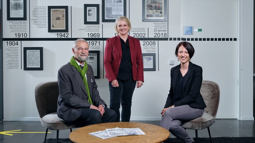 Roby Tschopp (Les Verts), Florence Nater (PS) et Crystel Graf (PLR) dans les locaux d'«ArcInfo», mardi 27 avril.