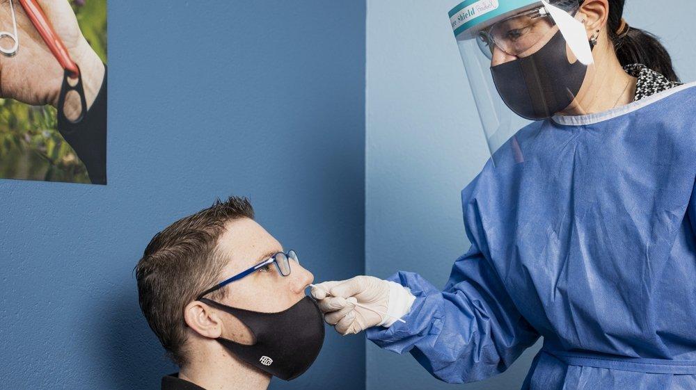 Six samaritains de l'entreprise ont été formés au prélèvement nasal.