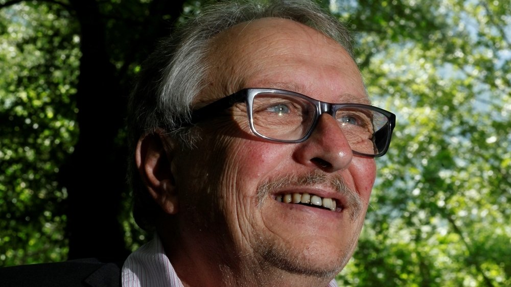 Dans son livre, Jean-Bernard Vuillème raconte le départ d'un homme vieillissant qui fuit son existence pour ne pas sombrer dans le néant.