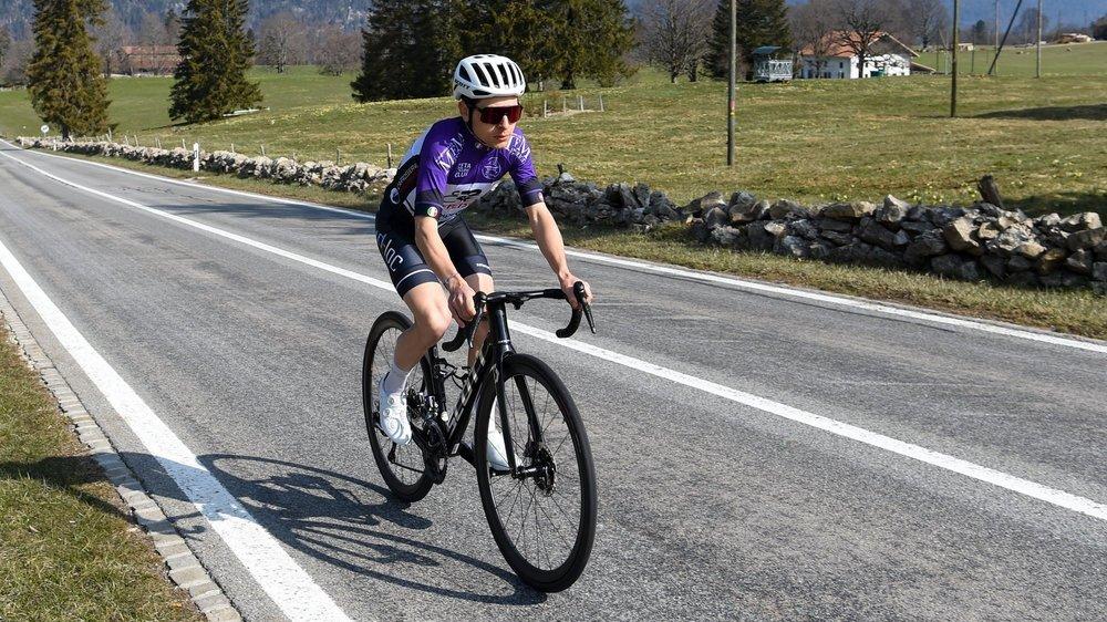 Justin Paroz passe aux Pontins sur une route que les coureurs du Tour de Romandie emprunteront à deux reprises lors de cette deuxième étape.