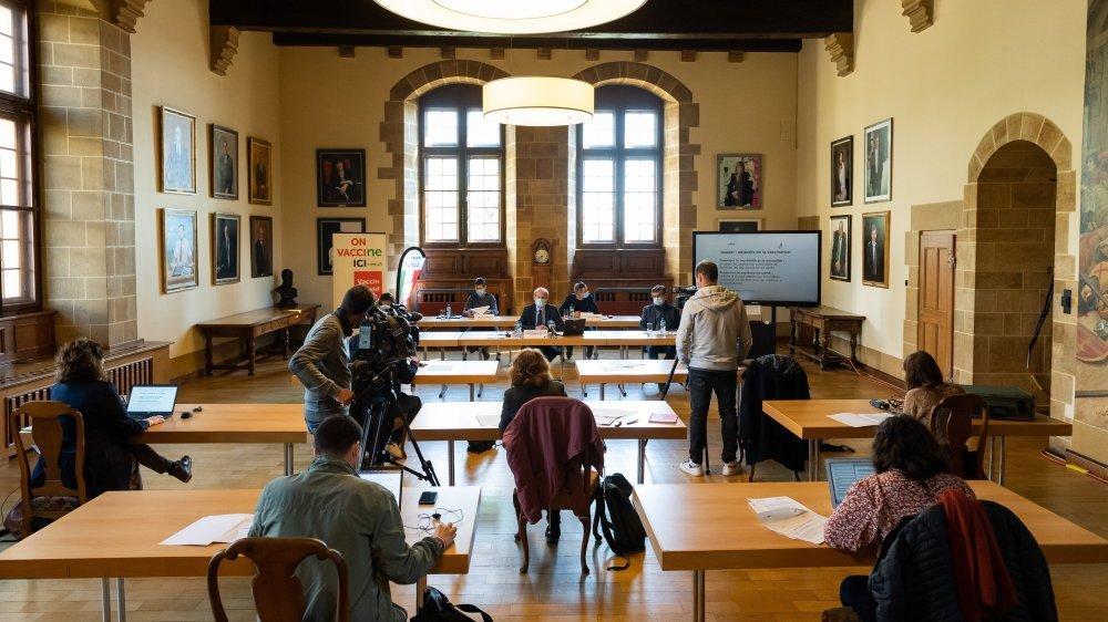 L'élargissement de la vaccination contre le Covid-19 à tous les Neuchâtelois et Neuchâteloises dès l'âge de 16 ans a été annoncé ce lundi en conférence de presse.