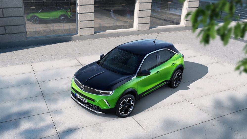 Le Mokka-e bénéficie du moteur électrique de 100 kW et de la batterie de 50 kWh ayant déjà fait leurs preuves sur la Corsa-e et le Peugeot e-2008.