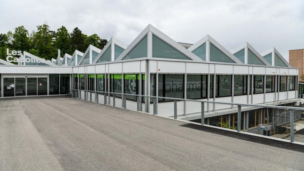 L'entrée du futur centre médical se trouvera au même endroit que celle des magasins et de la pharmacie qui ont déjà ouvert leurs portes.