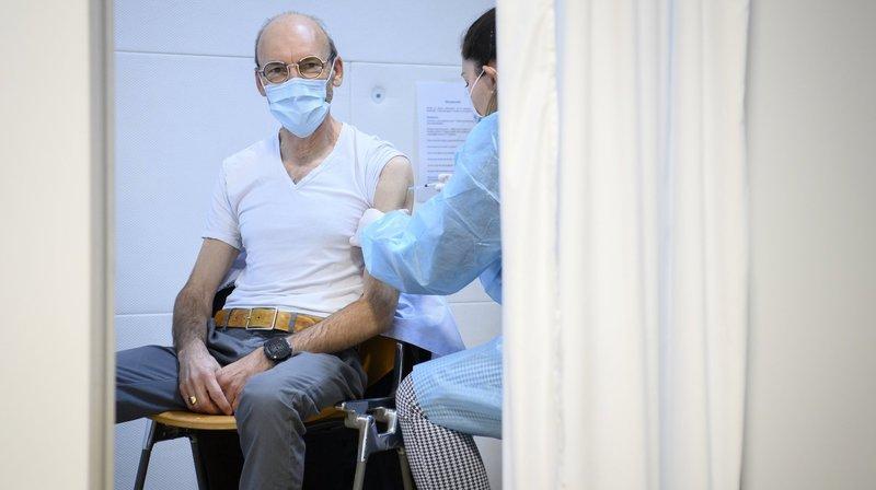 «Un sentiment de pouvoir lâcher prise»: ce que le vaccin contre le Covid-19 leur a apporté