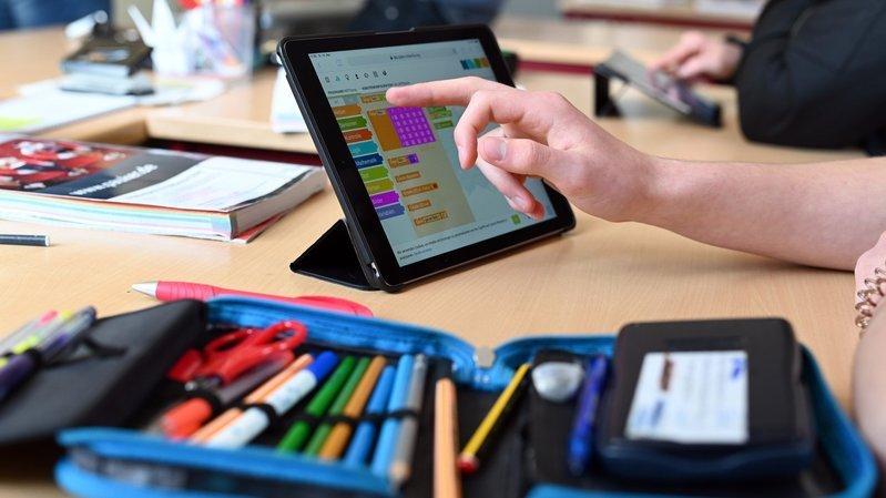 Littoral neuchâtelois: 300 tablettes tactiles pour renforcer l'enseignement numérique