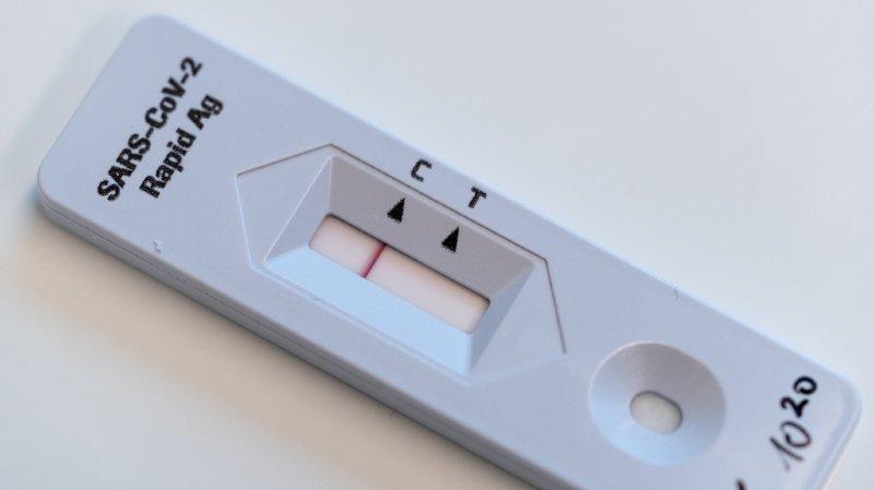 Coronavirus: des tests à faire soi-même disponibles dès le 7 avril