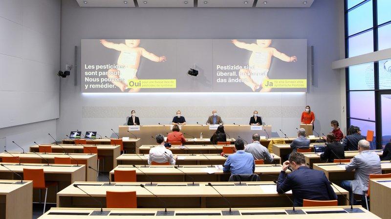 Votations fédérales: début de campagne pour une Suisse libre de pesticides de synthèse