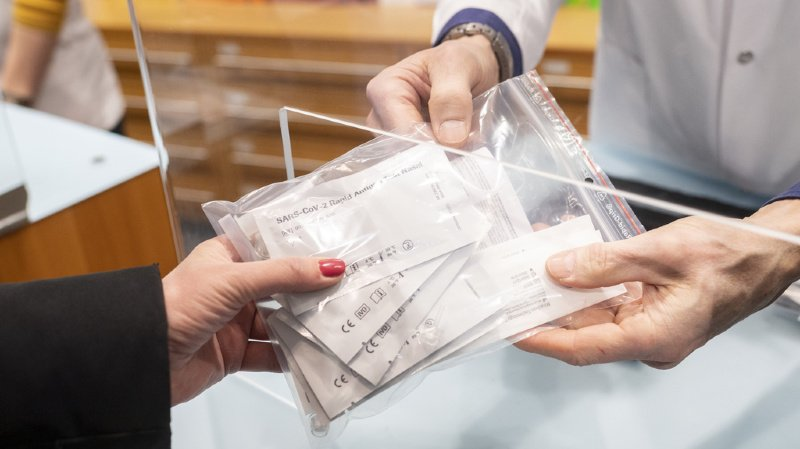 Coronavirus: pas de ruée sur les autotests gratuits délivrés dès ce mercredi