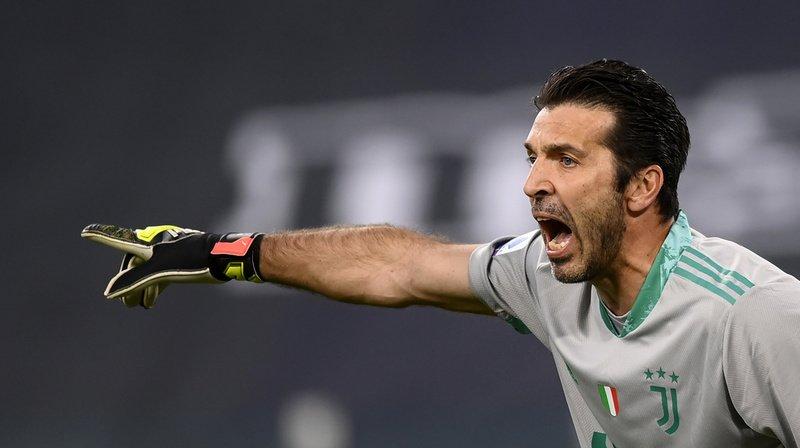 Italie: Buffon fait ses adieux à la Juve, pas encore au foot