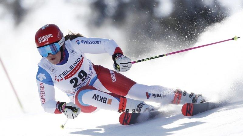 La Neuchâteloise Mélanie Meillard termine à plus d'une seconde de la championne de Suisse Camille Rast.