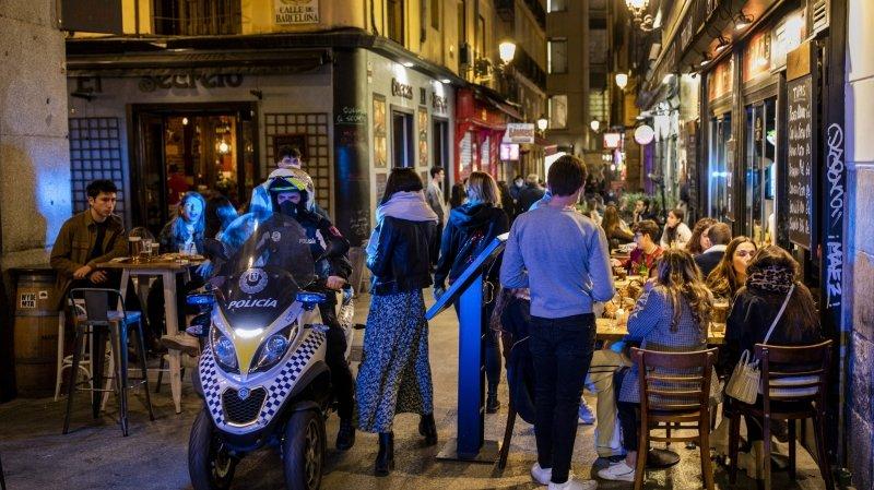 """Coronavirus: le """"tourisme de beuveries"""" irrite les habitants de Madrid"""