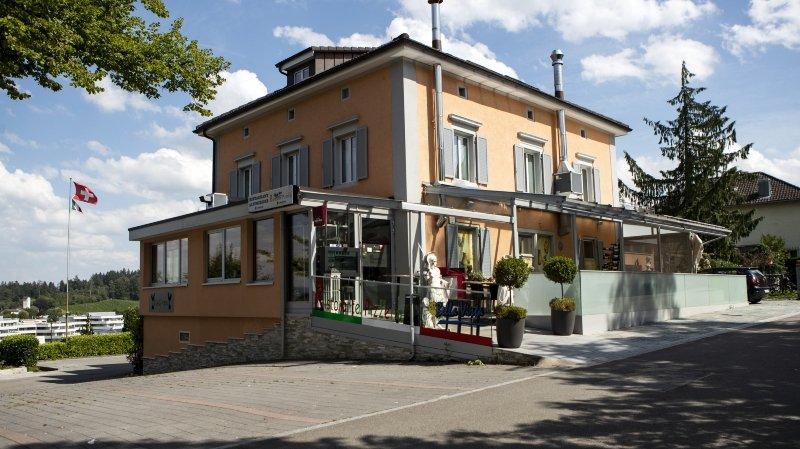 Coronavirus: comment la mafia italienne vient en aide aux commerçants en Suisse