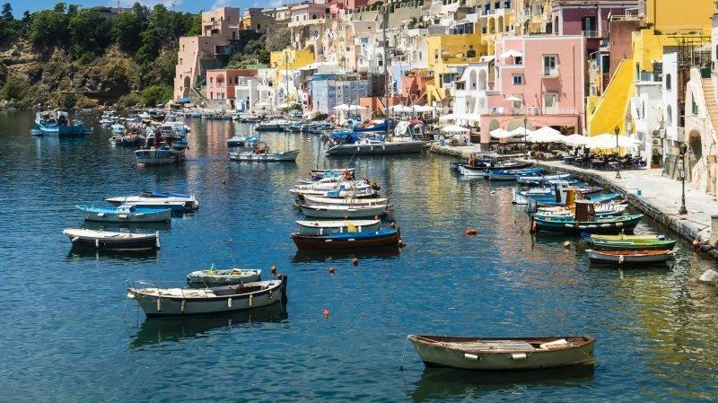 """Italie: sur île de Procida, on mise sur le """"Covid-free"""" pour attirer les touristes"""