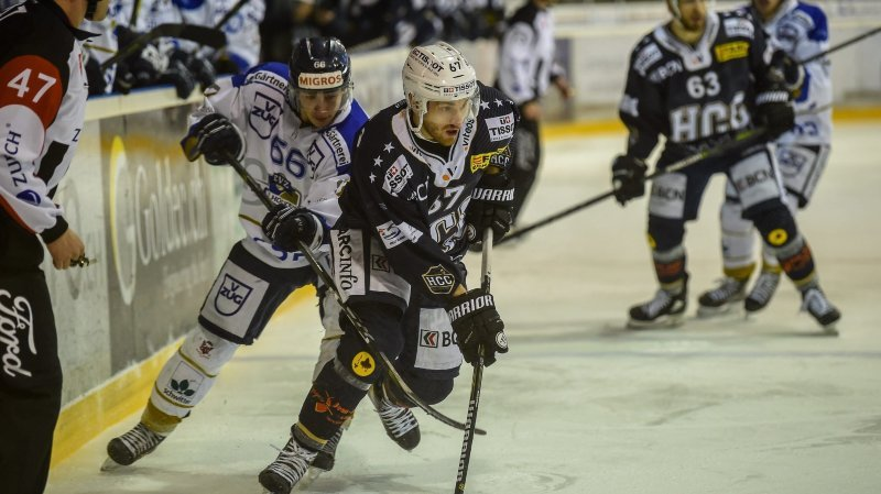 Andreas Döpfner (à gauche) et Simon Sterchi, opposés ici en 2018, évolueront ensemble la saison prochaine avec le HCC.
