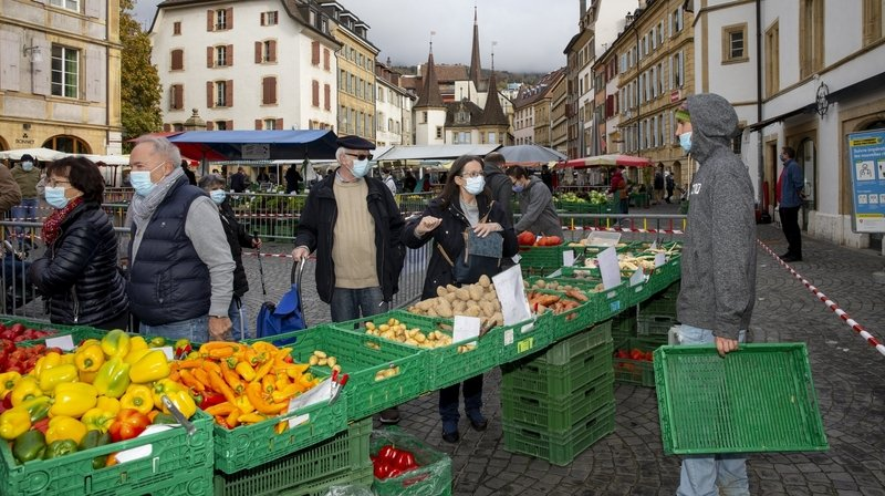 Neuchâtel: à la belle saison, on fait le tour des marchés