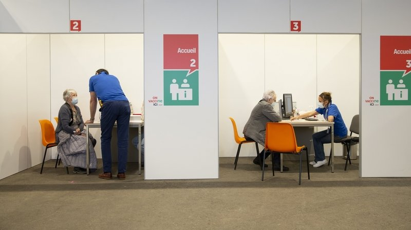 Covid-19: le canton de Berne met en ligne de nouveaux rendez-vous pour la vaccination