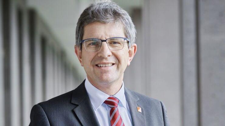 Le maire de Bienne Erich Fehr vise le Conseil-exécutif