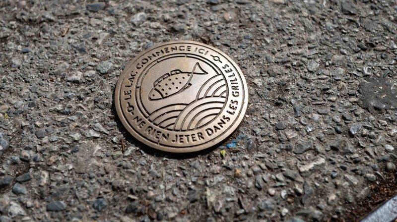 Ne jetez rien dans les grilles d'égout, plaide la Ville de Neuchâtel